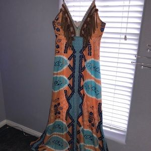 Dresses & Skirts - Fun Summer Maxi Dress